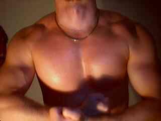 Voir le liveshow de  LoverBoy4u de Xlovecam - 25 ans - Hot stud,with a big cock,a fine muscular body for nasty play !