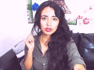 Voir le liveshow de  BelleAnax de Xlovecam - 21 ans - Im a hot and sensual woman full of desire