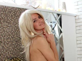 ArishaCute nude on cam