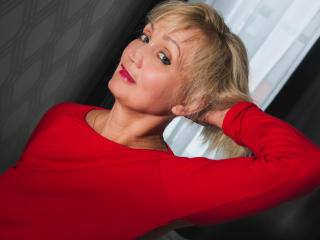 Voir le liveshow de  LinaToffy de Xlovecam - 52 ans - Are you ready for a challenge? Come here and serve me with pleasure ;)