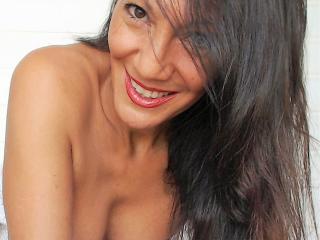 Voir le liveshow de  Lyndsey de Xlovecam - 49 ans - I am hot and sexy