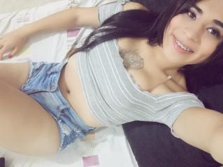 CristalHugeTS webcam girl