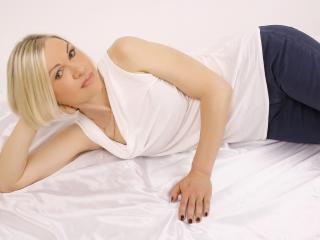 Voir le liveshow de  CityGlam de Xlovecam - 47 ans - Im elegant blonde woman. Kind, respectful, intelligent.