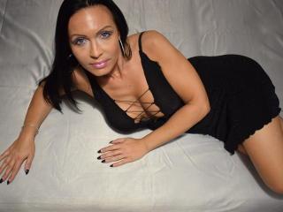 Voir le liveshow de  IrresistibleKelly de Xlovecam - 39 ans - Horny milf ready to make all your fantasy come true. I am a super hot girl with super ho ...