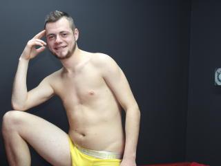 Voir le liveshow de  GerryHung de Xlovecam - 23 ans - Pvt
