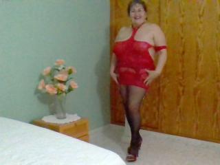 Voir le liveshow de  NastyLatinaMilf de Xlovecam - 55 ans - I am matura natural hairy pussy and hot une femme mature naturel avec ma chatte poilue nat ...