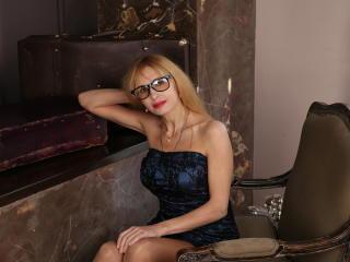 BlondPussy nude on cam