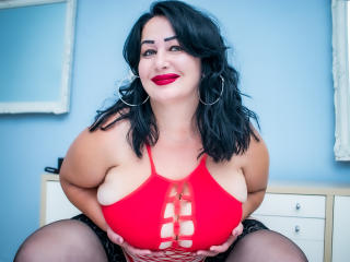 Voir le liveshow de  LexyRose de Xlovecam - 38 ans - A romantic dinner, a bottle of red dry wine we can wet with our passion and intimate connection,  ...