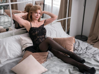Voir le liveshow de  IrenaSex de Xlovecam - 51 ans - I the charming, passionate, bright brunette with green eyes, as at a cat, and character as at a P ...