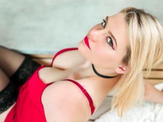 MelissaMaroon nude on cam