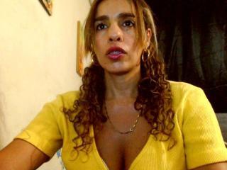Voir le liveshow de  FoxyPorn de Xlovecam - 39 ans - I'm a lady on the street and a bitch in pvt