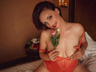 Voir le liveshow de  AriadnaHott de Xlovecam - 31 ans - Sexy