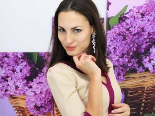 Voir le liveshow de  LovelyEmilyG de Xlovecam - 23 ans - Cute girl, with a great sexy ass, sweet smile, a naughty mind an nothing to hide. see you in  ...