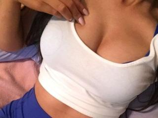 Voir le liveshow de  YaraGirl de Xlovecam - 22 ans - Sexy