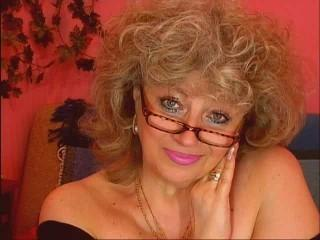 Voir le liveshow de  RoyalTits de Xlovecam - 39 ans - I the charming, passionate, bright brunette with green eyes, as at a cat, and character as at a  ...